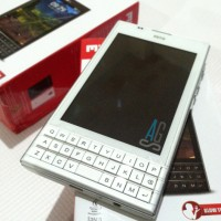 "Mito 275 Dual SIM 4"" QWERTY Java Mirip Blackberry / BB Passport"