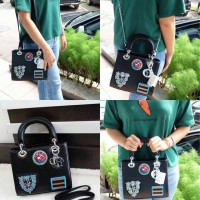 LADY DIOR BADGES MEDIUM SIZE 23x9x20