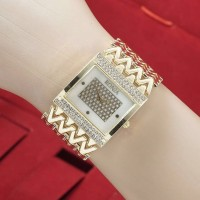 Jam Tangan Wanita (Bonia) Lada MErica Tikar Guess Jtr 591 Gold
