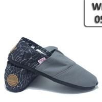 harga wakai grade original 059 abu hitam motif/supplier sepatu Tokopedia.com