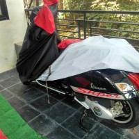 cover / sarung motor vespa GTS paling dicari
