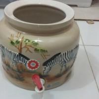 Gucci Air Minum Keramik / Dispenser Air / Water Pot Timbul