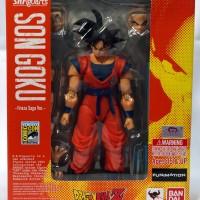 """SDCC 2015 SHF Dragon Ball Z Son Goku """"Frieza Saga Ver"""""""