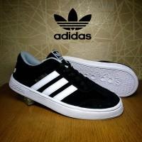 harga sepatu sneaker cowok adidas samba hitam / casual pria Tokopedia.com