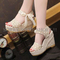 WEDGES BRUKAT PITA 888 CREAM