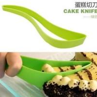 Easy Plastic Cake Knife / Pisau Kue Berkualitas