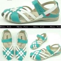 sandal sepatu flat wanita kickers  5356