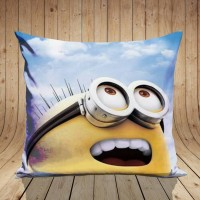 bantal sofa gambar minion