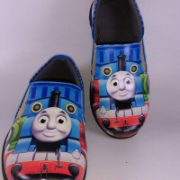 harga sepatu anak cowo karakter thomas n friends bagus lucu Tokopedia.com