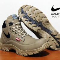 Sepatu Treking Boot Safety Nike Gunung Hiking Adventure Touring Bikers