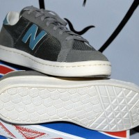New Balance 691 Low Top Sneakers