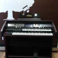 Roland Organ Atelier AT-500 (Harga Lihat Di Detail)