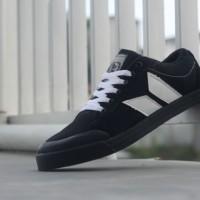 sepatu casual macbeth egan original premium black white