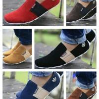 Sepatu Slipon adidas Pria / Sepatu Casual Loafers Slop Kulit Murah
