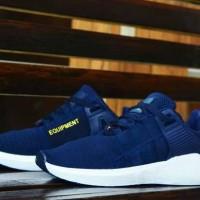 Sepatu sneakers santai pria keluaran terbaru adidas eqt