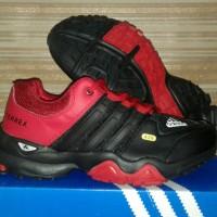 sepatu olahraga jogging running adidas terrex size 40-44 import