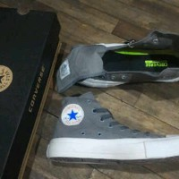 SEPATU CONVERSE CHUCK TAYLOR II HIGH MADE IN VIETNAM ASLI IMPORT