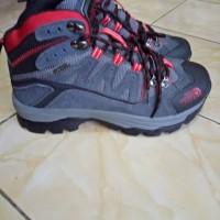 Sepatu The North Face/ Sepatu Gunung