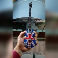 harga Miniatur Bass Hofner Paul McCartney Union Jack Signature Tokopedia.com
