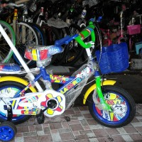 Sepeda anak 12 stir ban pompa LAZARO