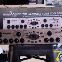 Behringer Bass V-Amp Pro for Baas Gitar & keyboard Amp Modeling