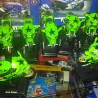 harga Diecast Newray Loose baru 1:18 Kawasaki Ninja ZX 6RR hijau Tokopedia.com
