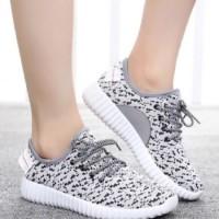 Sepatu Wanita / Sepatu Kets / Sepatu Kets Bintik Jaring Putih