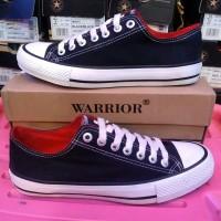 sepatu warrior hitam putih dalaman merah dan putih