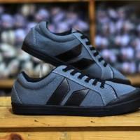 Sepatu Macbeth Vegan abu Baru