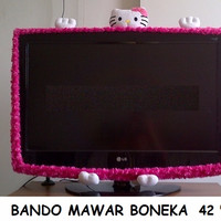 BANDO TV LED UK 42 HELLO KITTY MAWAR