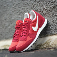 "ORIGINAL BNIB NIKE INTERNATIONALIST ""RED CLAY/DEEP CARDINAL/WHITE"""