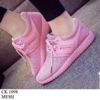 harga Sneaker Pink Tokopedia.com