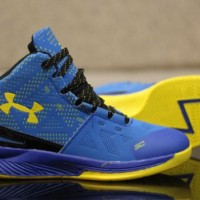 SEPATU OLAHRAGA SEPATU BASKET UNDER ARMOUR NAVY GRADE ORIGINAL IMPORT