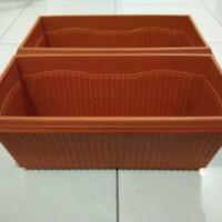 harga Pot Plastik Kotak/Persegi Panjang Coklat Tanam Bunga, Tanaman Hias dll Tokopedia.com