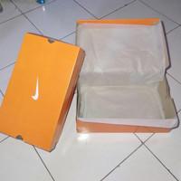 sepatu futsal nike mercurial CR7 batik putih sol gerigi anti licin