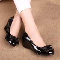 Wedges Black Glossy BG01 / Sepatu Wanita / Wedges / Flat Shoes Wanita