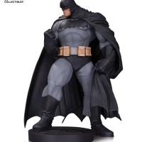 "DC Collectibles - Dark Knight III Batman By Andy Kubert 12"" Statue"