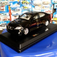 BBURAGO 1:24 lexus IS 350 black