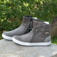 Sepatu Mid Boot Anak / Remaja VADO # Milley