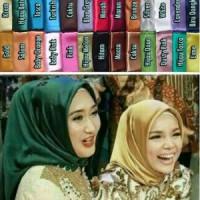 jilbab segi empat satin, hijab satin , kerudung segiempat,