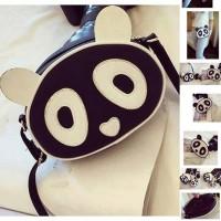 UT1452 panda head sling bag
