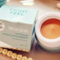 Wardah Luminous Creamy Foundation Light Feel