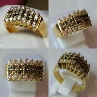 Cincin Emas Berlian Hitam & Putih Kombinasi