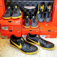 los angeles f7113 47dde Sepatu Futsal Nike Lunar Gato IC Black Yellow  415124-077
