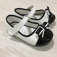 Sepatu fladeo anak