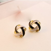 anting infinite hitam dan putih braided black and white earring jan059