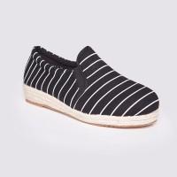Jual Sepatu Wanita Slip On Black by Adorable JJ (07881192) Murah
