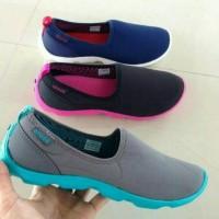 harga Sepatu Crocs Duet Sport Skimmer Women / Sepatu Wanita Tokopedia.com