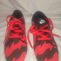 sepatu sneakers nike toki low txt print bukan adidas reebok puma vanz