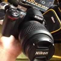 Kamera SLR Nikon D3000 Mulus (Full Set)